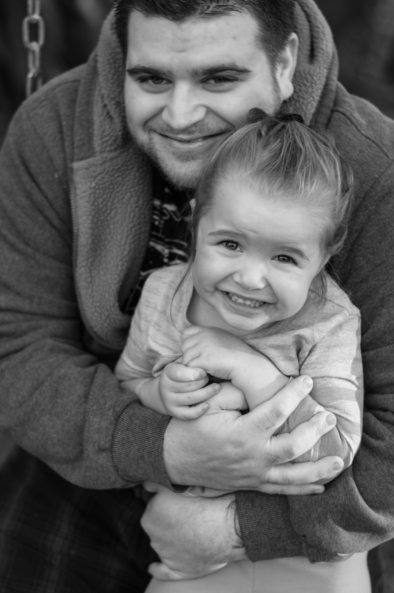 daddy-daughter-bw