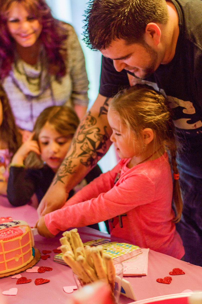 doc mcstuffins cake cutting